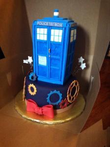 TARDIS CAKE OF GLORIOUS AWESOME!