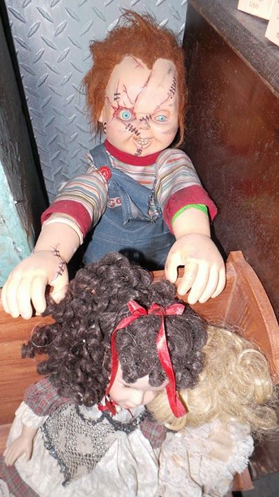 There was another special guest from a former Halloween Horror Nights house hidden in Dollhouse of the Damned. Chucky from Child's Play.